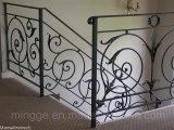 Se utiliza para la escalera interior y exterior barandillas de hierro