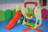 Kindergarten-Plastikplättchen-Schwingen eingestellt für Innenspielplatz