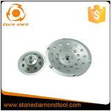 다이아몬드 가는 컵은 PCD를 가진 다이아몬드 가는 공구를 선회한다