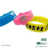 A personnalisé propre bande de poignet en plastique promotionnelle colorée de silicones de logo (XD-WB-06)