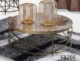Table basse en mousse en métal avec dessus en marbre