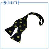 標準的で黒いカスタムロゴの自己のタイのちょうネクタイ