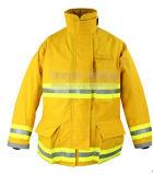 A NFPA 1971 adequados de combate a incêndios