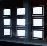 Pared de la ventana que cuelga el rectángulo ligero cristalino del LED para la decoración de las propiedades inmobiliarias