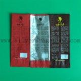 Sacola colorida de plástico de grãos de café e grãos laterais