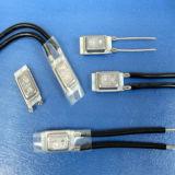 Protecteur de résistance faible de réinitialisation automatique de commande de température 17ami contacteur normalement fermé de la température fusible 10A250VCA