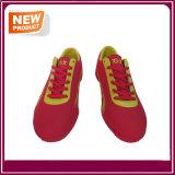 Il calcio di colore rosso calza i caricamenti del sistema di gioco del calcio da vendere
