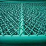 С покрытием из ПВХ расширенной проволочной сетке панели