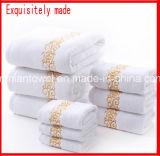 卸し売り習慣の100%年の綿の白いベロアの浴室タオルの空想の贅沢な最高のホテルのプール浜の浴室タオル