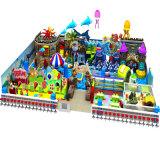 Konkurrierender Innenspielplatz für Kinder