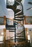 Низкая цена закаленное стекло колеи спиральной лестницей со стеклянными поручни