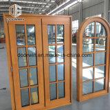Design em Arco de madeira maciça na janela de madeira maciça