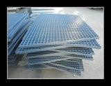 Nuove griglie dell'acciaio di arrivo