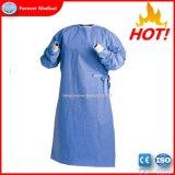 Hot Sale jetables en plastique pouce trou CPE robe robes de l'hôpital