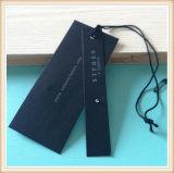 Hangtags de papel de encargo al por mayor baratos de la alta calidad con la cadena y el paño