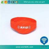 ISO14443A Ntag213 RFID NFCのシリコーンのリスト・ストラップ