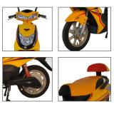Form-Entwurfs-elektrischer Roller mit Pedalen