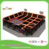 Xiha che costruisce il trampolino dell'interno di Bungy con l'insieme dell'interno del campo da giuoco