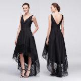 A - Zeile schwarzer Abend-V-Necked Kleid mit Spitze-Rand