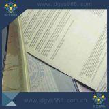 Impresión de papel del certificado de la aduana que graba