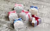 Het Verpakkende Vakje van Macaron voor de Omslag van de Gift van de Dag van de Valentijnskaart, het Kleine BloemenVakje van het Document van het Huwelijk van Af:drukken