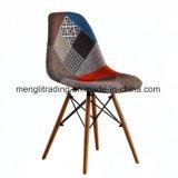 世紀半ばのフランスの食事の椅子容易なアセンブリ