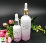 Bottiglia di olio essenziale con l'ugello di vetro del contagoccia
