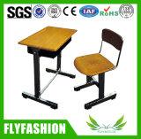 Solo escritorio modificado para requisitos particulares de la sala de clase de escritorio plástica con la silla