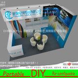 Stand fait sur commande en aluminium d'exposition avec le modèle libre