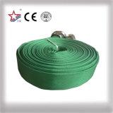 Groene die Brandslang met Koppeling Storz wordt gepast