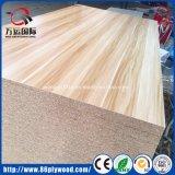 4X8 6X8の木製の織り目加工のメラミンによって薄板にされるChipboard OSB