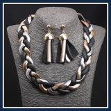 Neues Feld-Stahlimbiss-Ketten-Form-Ohrring-Halsketten-Schmucksache-Set