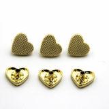 Botones de cobre amarillo de los pantalones vaqueros de la venta del nuevo del diseño del corazón oro caliente de la dimensión de una variable