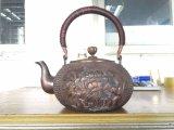 Чисто медные чайники скульптуры сделаны разнообразие Handmade и декоративных типов можно использовать для крытого украшения или кипя воды
