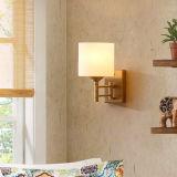 米国式の安いホテルの部屋の鉄の物質的な角の壁ライト
