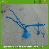ウシか動物によって引かれるすき中国製