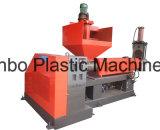 Пластиковые бутылки пластмассовых отходов переработки механизма