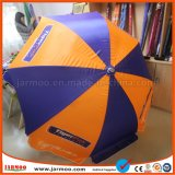 Anunciando o guarda-chuva de praia com reforços Windproof