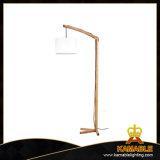 Houten Basis met de Moderne Staand lamp van de Schaduw van de Stof (lbmd-AFD)