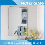 La parete di Frameless lucidata/ha smussato lo specchio del bagno della mobilia