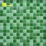 Mosaico de piedra de cristal de la superficie brillante de color blanco (MC206)