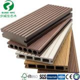 140x25mm Trou rond WPC Flooring Deck pour Outdoor