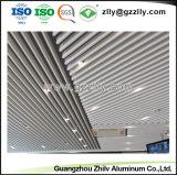 Facotry blanc déflecteur d'aluminium en forme de U plafond décoratif pour l'aéroport
