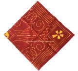 I prodotti della fabbrica della Cina progettano il Bandanna per il cliente del cotone di colore rosso della stampa 56*56cm