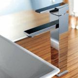 衛生製品の正方形様式の単一のハンドルの洗面器のコック