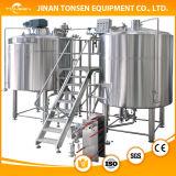 機械にマイクロビール醸造装置をするビール