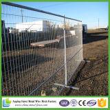 容易具体的な立場が付いている臨時雇用者の塀のパネルをインストールしなさい