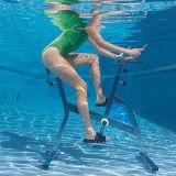プールのための水生エアロバイク