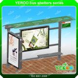 Aubette extérieure, meubles de rue, arrêt de bus moderne, arrêt de bus