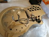 Guitare de résonnateur de marque d'Aiersi avec des résonnateurs de salon de camionnette de livraison